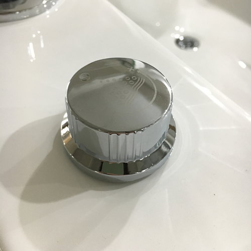 bouton de réglage de la pression des jets de TOKYO